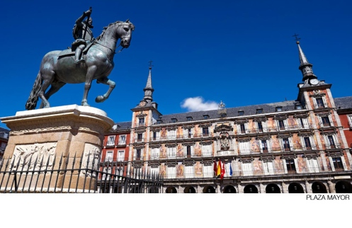 plaza_mayor_Madrid_Burgundyandolive